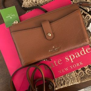 New kate spade crossbody/ wallet 🍁🍁